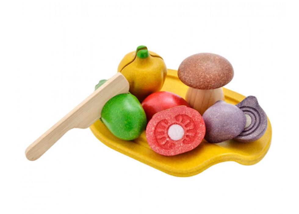 ست سبزی همه فن حریف  پلن تویز  plan toys کد 3601